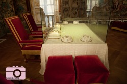 King's dining table